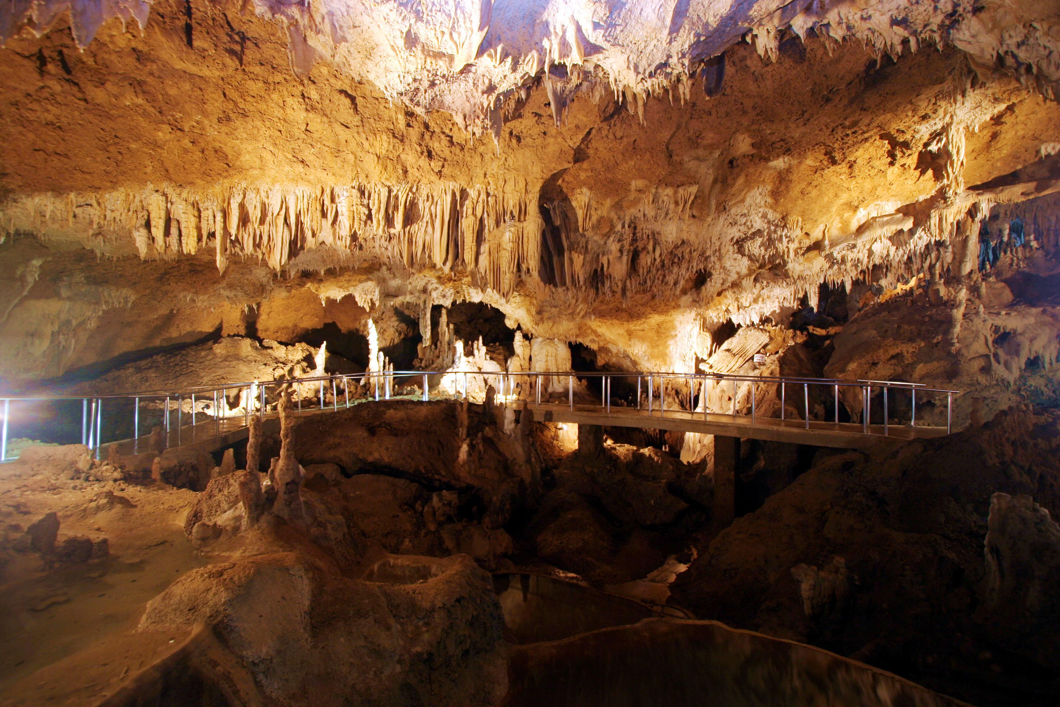 石 の 洞窟 oras